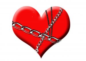 chained-love-941127-m