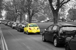 yellow-car-84579_640